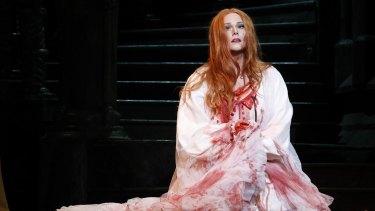Jessica Pratt in Victorian Opera's Lucia di Lammermoor.