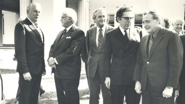 Members of the executive council met the Governor-General Sir John Kerr at Government House. (From left) Gough Whitlam, Sir John Kerr, Tom Uren, Kep Enderby, and Jim Cairns.
