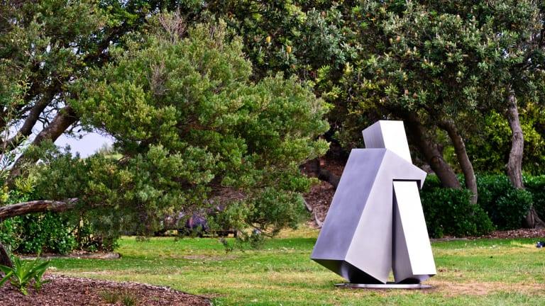 "Haruyuki Uchida, ""Embrace"" (2014), Sculpture by the Sea, Bondi 2015."