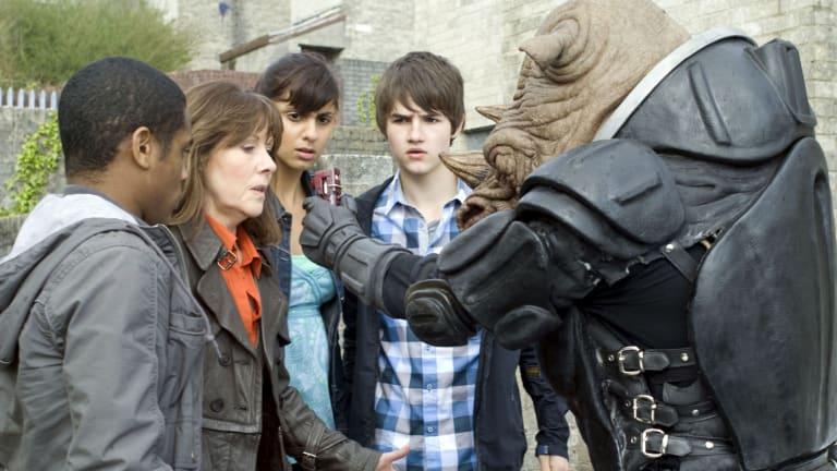 Sarah Jane (Elisabeth Sladen) and sidekicks have a close encounter with Captain Tybo (Paul Kasey) in <i>The Sarah Jane Adventures</i>.