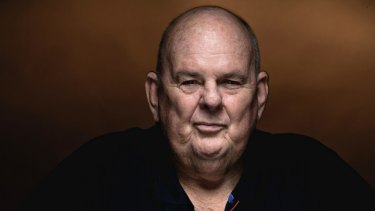 Australian poet Les Murray has shed light on the judging process of this year's Prime Minister's Literary Award for fiction.