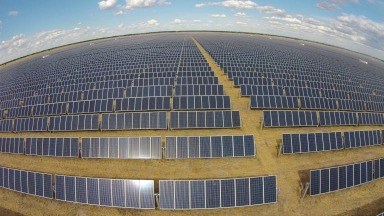 Two large solar farms will be built in Victoria to power Melbourne's trams.