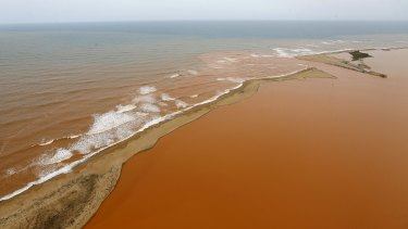 The sludge from the collapsed dam took three weeks to travel 280 miles down the River Doce and into the Atlantic Ocean.