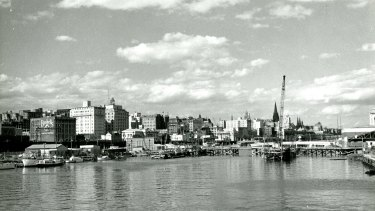 Melbourne looking east on the banks of the Yarra in 1959.