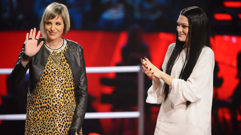 Amber Nichols and Jessie J on The Voice stage during a battle round.