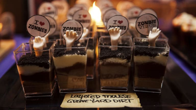 The Craigs' wedding desserts made guests die laughing.