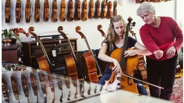 Sarah Cuming, Orchestra Victoria Teacher, and student Charlotte Kube.