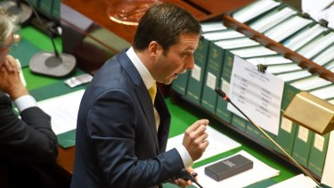 Opposition leader Matthew Guy debates the firefighters' dispute in Parliament question time.