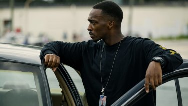 Anthony Mackie plays crooked cop Marcus Belmont in <i>Triple 9</i>.