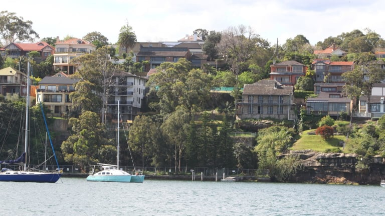 The government has announced no firm plan on how to deal with the contamination at the Hunters Hill property.