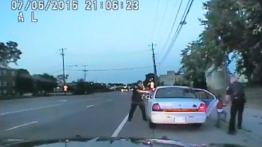 Justine Damond: Why US police wearing cameras is not an open-and