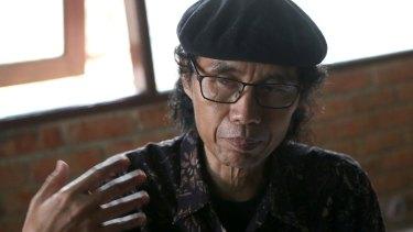 Indonesian activist Sandyawan Sumardi works with the people of Bukit Duri.
