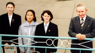 This photo, taken at Pyongyang airport in 2002, shows the family of Japanese abductee Hitomi Soga, including her husband, US Army deserter Robert Jenkins, with a girl (second from left) North Korean authorities claimed was the daughter of abductee Megumi Yokota.
