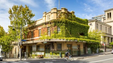 The Terminus Hotel is a historic vacant property in Sydney's harbour side suburb of Pyrmont. It is being offered for sale by JLL and Ray White Hotels on behalf of Auswin TWT.