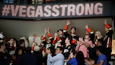 Victims and first responders of the Las Vegas shooting are honoured during a NHL hockey in Anaheim, California.