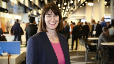 Dell's Australia and New Zealand boss Angela Fox says there are still obstacles standing in the way of women starting a business.