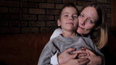 Oshin with his mother, Angela Kiszko.