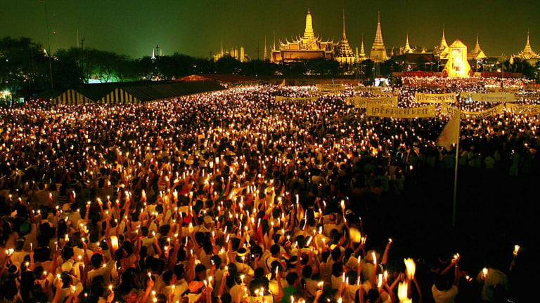 Thai people celebrate the King's birthday in 2007.