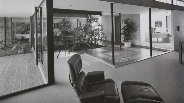 Glenn Murcutt designed the Ockens House in 1977.
