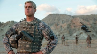 Brad Pitt is little more than a caricature as General Glen McMahon in <i>War Machine</i>.