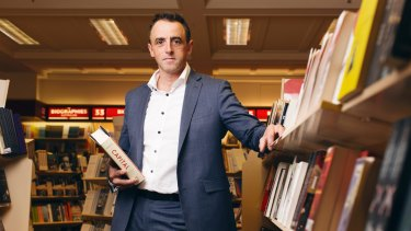 Dymocks managing director Steve Cox has criticised publishers for selling books directly to international retailer Book Depository while calling for import restrictions to remain.