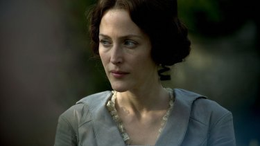 <i>Bleak House</i> helped Gillian Anderson shift her acting focus away from genre.
