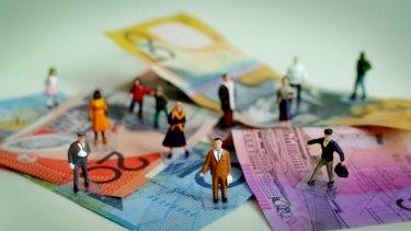 Australian households are taking a diminishing share of the national economic pie, says progressive think tank Per Capita.