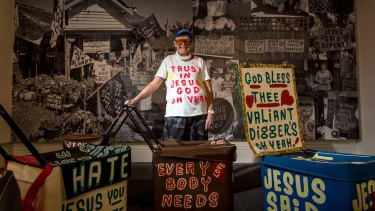Street preacher of 30 years Desmond Hynes is the subject of a Melbourne Town Hall exhibition, The Jesus Trolley