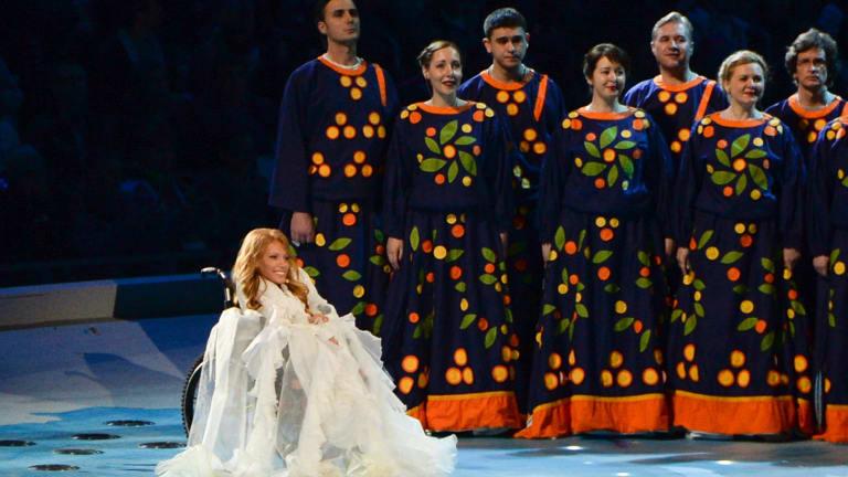 Ukrainian authorities have imposed a travel ban on Russia's Eurovision contestant Yulia Samoylova.