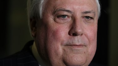 Clive Palmer says there are many world leaders who want to discuss climate change at the G20 in November but can't because the issue isn't on the agenda.