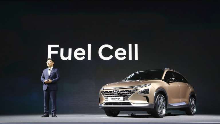 Hyundai says its new hydrogen fuel cell vehicle will travel more than 580 kilometres between fill-ups.