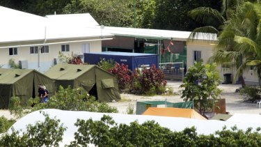 Medical staff have criticised what they say are poor conditions at the Nauru detention centre.