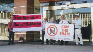 Can the Tram protest against the light rail project.