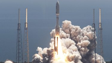 An Atlas V rocket carrying the Juno spacecraft lifts off from Space Launch Complex-41 in Cape Canaveral, Florida, on August 5, 2011.