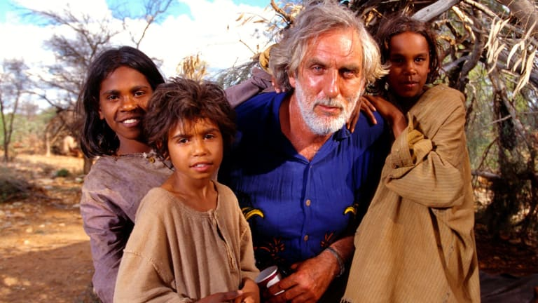 Rabbit Proof Fence director Phillip Noyce with actors Everlyn Sampi (left, Molly), Tianna Sainsbury (Daisy) and Laura Monaghan (Gracie).