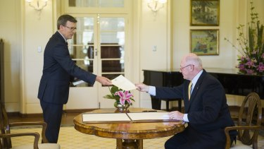 Alan Tudge is sworn-in by Governor-General Sir Peter Cosgrove.