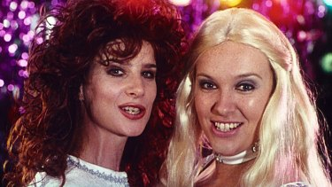 The 1994 film launched the screen careers of two of Australia's most successful performers, Rachel Griffiths as Rhonda and Toni Collette as Muriel.