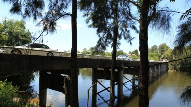 Locals have celebrated 1500 days of continuous occupation in defence of Windsor Bridge.