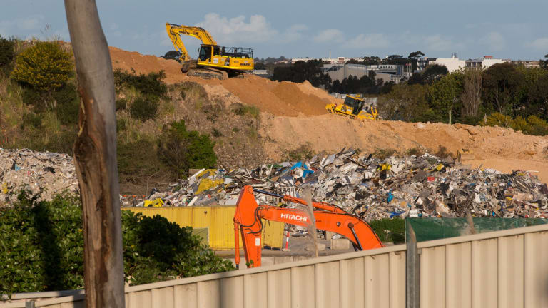 WestConnex earthworks are carried out at the Alexandria landfill site in September 2015.