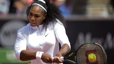 Serena Williams has withdrawn from the Swedish Open because of an elbow injury.