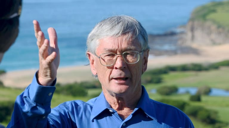 """Most-trusted Australian"" Dick Smith would have romped it in against Bronwyn Bishop if she had remained a Liberal candidate."