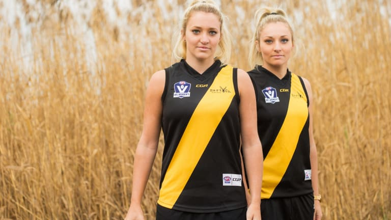 Jess (left) and Sarah played for the Seaford Tigers in the VFLW.