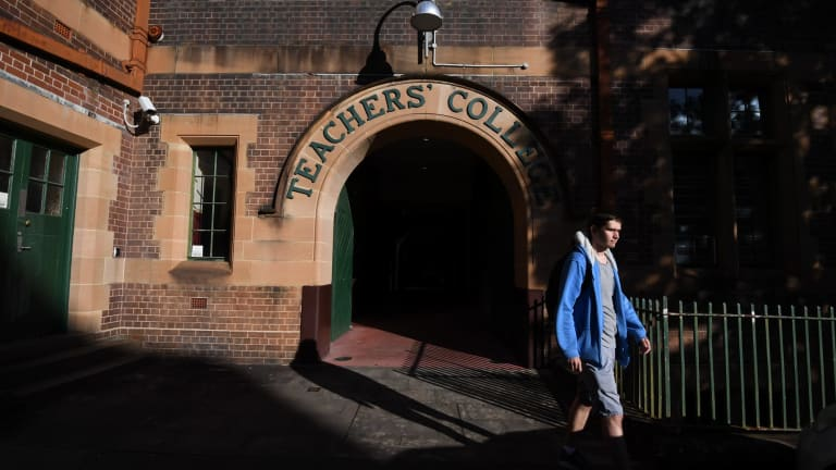Sydney University plans to shut down its Sydney College of the Arts campus at Rozelle and house the art school in the Old Teacher's College at its main campus.