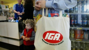 Comparable sales at the independent IGA supermarkets Metcash supplies declined 1.1 per cent.