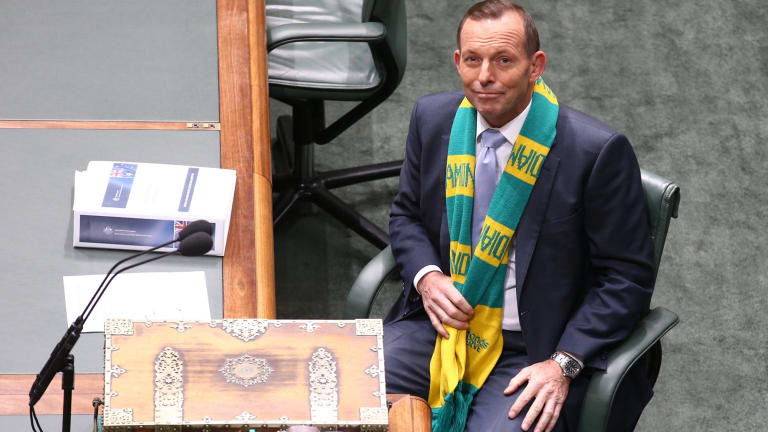 Prime Minister Tony Abbott, wearing the Australian Diamonds netball scarf, has called for more women to be pre-selected by the Liberal Party.