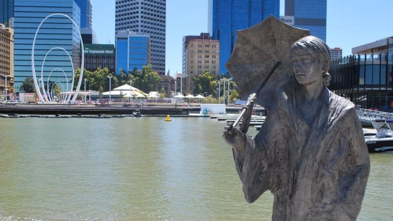 The Bessie Rischbieth statue at Elizabeth Quay.