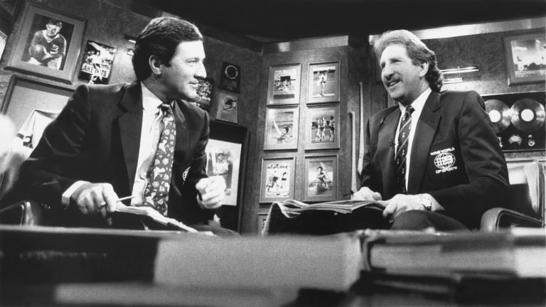 Ken Sutcliffe, left, and Max Walker present Channel Nine's Wide World of Sports in 1989.