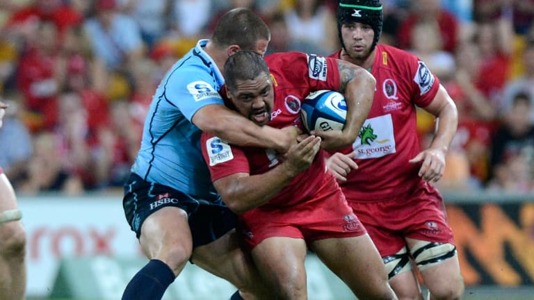 Former Queensland Reds hooker Albert Anae has signed with the Brumbies.
