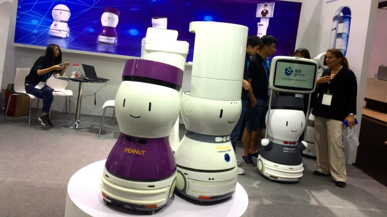 Keenon Robotics' Peanut gang are here to help.