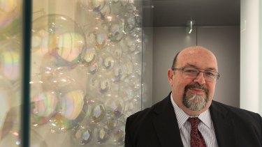 Former Orica boss Ian Smith has suddenly left the board of Transurban